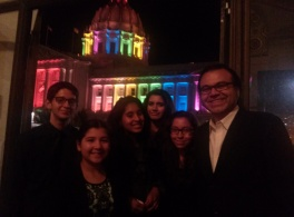 "The scholars and staff pose outside the San Francisco Opera House after seeing ""Così fan tutte."""